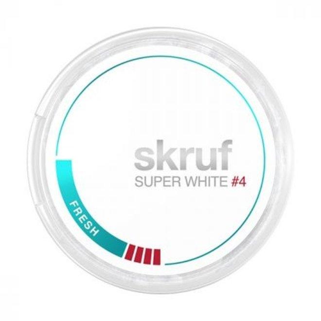 Kuvassa Skruf Super White nikotiinipussipakkaus.